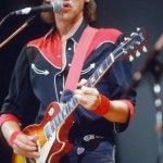 Mark Knopfler of Dire Straits. My favorite guitarist. Mark Knopfler, Dire Straits, Music Is Life, My Music, Rock And Roll, Rock Music History, Rock Festival, Dark Wave, Mundo Musical