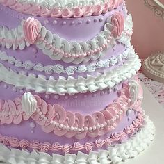 Gorgeous Cakes, Pretty Cakes, Cute Cakes, Amazing Cakes, Buttercream Cake Designs, Pretty Birthday Cakes, Cute Desserts, Cake Gallery, Cake Decorating Tools