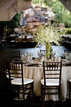 Table setting - color tones