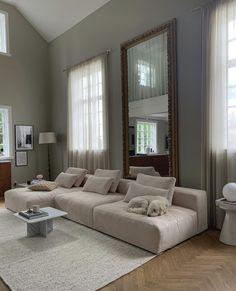 Dream Home Design, Home Interior Design, House Design, Home Living Room, Living Room Decor, Style Deco, Aesthetic Room Decor, Dream Rooms, My New Room