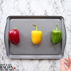 These sheet pan fajitas are absolutely bursting with flavour and couldn't be easier to make! Mexican Food Recipes, Beef Recipes, Cooking Recipes, Tasty Videos, Food Videos, Food Porn, Ground Turkey Recipes, Baked Chicken Fajitas, Chicken Fajita Recipe