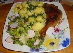 Biała kiełbasa z ćwiartek kurczaka. - przepis ze Smaker.pl Eggs, Meat, Chicken, Breakfast, Food, Beef, Morning Coffee, Meal, Egg