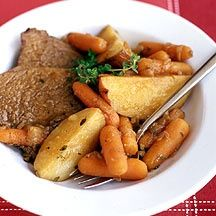 Weight Watchers Yankee Pot Roast Dinner Serving Size: 2 slices of meat, 1 c veggies and c gravy Points Plus Value: 10 - Tuesday Meals Skinny Recipes, Ww Recipes, Dinner Recipes, Cooking Recipes, Healthy Recipes, Healthy Foods, Passover Recipes, Healthy Options, Cooking Time