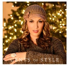 Two-tone knit hats....Y do I kinda actually like this??!!  http://www.mycentsofstyle.com/collections/hats/products/rae-br-two-tone-knit-hat-br-more-colors