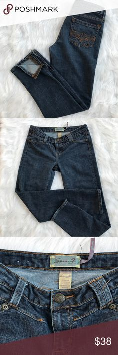 """Seven7 Jeans with Ankle Zipper These jeans are in excellent condition! No rips, tears or holes. 30"""" inseam. Ankle zippered detail is very cute. 13"""" hem circumference. 78% cotton, 20% polyester, 2% spandex. Seven7 Jeans Skinny"""