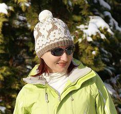 Nórska čiapka s jeleňmi a brmbolčekom
