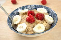 Umgekocht meldet sich zurück :) Da ich seit Mai im Café Kawa in Lichterfelde arbeite, bleibt mir leider kaum noch Zeit zu posten. Doch wenn, dann komme ich mit so leckeren Dingen wie heute :)... #Porridgezumfrühstück #bananeerdnuss #veganglutenfrei http://www.umgekocht.de/2017/09/bananen-erdnuss-porridge-vegan-und-glutenfrei/