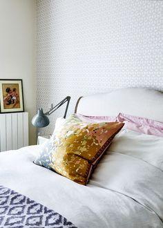 Transforme seu quarto em um verdadeiro refúgio: https://www.casadevalentina.com.br/blog/5%20PASSOS%20PARA%20TRANSFORMAR%20O%20SEU%20QUARTO%20EM%20UM%20REF%C3%9AGIO%20RELAXANTE ------  Turn your bedroom into a real haven: https://www.casadevalentina.com.br/blog/5%20PASSOS%20PARA%20TRANSFORMAR%20O%20SEU%20QUARTO%20EM%20UM%20REF%C3%9AGIO%20RELAXANTE