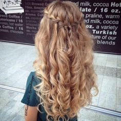 Always amazing from hairstyles_byzolotaya. Waterfall braid with messy curls. source The post Waterfall. hairstyles bridesmaid Waterfall Braid & Messy Curls (Hair and Beauty Tutorials) Braided Half Updo, Braided Prom Hair, Messy Curls, Messy Braids, Long Braids, Gorgeous Hair, Hair Inspiration, Short Hair Styles, Long Layered Hair