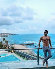 """244.8 mil curtidas, 965 comentários - Mariano Di Vaio (@marianodivaio) no Instagram: """"Goodbye Lisbon, obrigado  it was a crazy couple of days there ❤️ #WAIT4ME is now on SPOTIFY  …"""""""