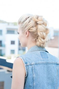 How to: Banana Clip Braided Fauxhawk