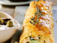 Vegetable strudel with puff pastry is a recipe with fresh ingredients from the cate … - Snack Mix Recipes Vegetarian Cooking, Vegetarian Recipes, Snack Mix Recipes, Free Keto Recipes, Healthy Recepies, Cheat Meal, Low Carb Breakfast, Veggie Dishes, Food Inspiration