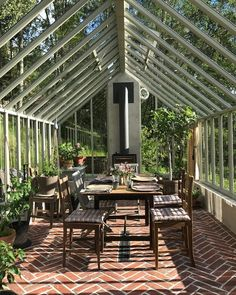 Garden room greenhouse H - gardenroom Greenhouse Interiors, Backyard Greenhouse, Greenhouse Plans, Homemade Greenhouse, Cheap Greenhouse, Portable Greenhouse, Orangerie Extension, Outdoor Spaces, Outdoor Living