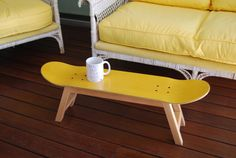 Ready to ship! Skateboard stool with legs of solid beech wood and skate deck with varnished finish natural. Skateboard side table - Stool - Yellow - Gift Idea for Teen or adults skateboarders Assembly is required. Skateboard Shelves, Skateboard Furniture, Skateboard Room, Bench Decor, Table Bench, Surf Decor, My New Room, Boy Room, Bedroom Decor