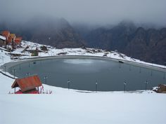 Auli, Uttarakhand - The picturesque town of Auli hosts the National Championships of Snow Skiing and right next to the Clifftop Hotel, the town also has the world's highest artificial lake. 7 Places, Tourist Places, Places To Travel, Exotic Places, Best Places To Honeymoon, Romantic Honeymoon Destinations, Beautiful Places To Visit, Cool Places To Visit, Holiday Destinations In India