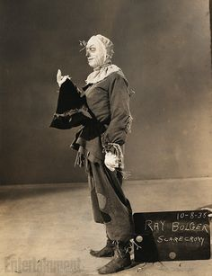 Ray Bolger was initially approached to play the Tin Man, but he lobbied hard to play the rubber-legged Scarecrow. Ray Bolger, Wizard Of Oz 1939, Land Of Oz, Rare Images, Tin Man, Yellow Brick Road, Movie Costumes, Halloween Costumes, Classic Films