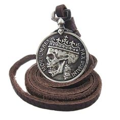 Splendid Skull Pendant Leather Necklace