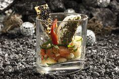 Würziger Cocos de Paimpol-Salat mit Tomaten und Herbe du Maquis Käse
