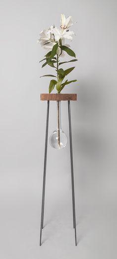 Table for a flower - svetlanalkozhenov.com