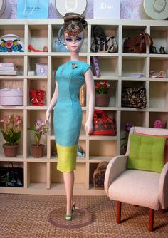 Two Tone Linen Sheath and Brooch Set