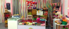 La Chuche. Taller de Golosinas es una tienda de reciente creación. En noviembre de 2015 abrimos al público, con mucha ilusión, un proyecto que teníamos en mente desde hace algún tiempo. Con mucho trabajo en la puesta en marcha del negocio y en la preparación de la tienda, conseguimos hacer realidad este proyecto. Nosotros mismos …