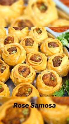 Pakora Recipes, Chaat Recipe, Curry Recipes, Vegetarian Fast Food, Indian Dessert Recipes, Easy Snacks, Samosas, Cooking Recipes, Dishes