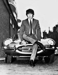 George Harrison with Jaguar XKEジョージ・ハリソンもジャガー