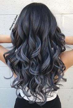 Silver/grey bayalage - Hairstyles For All Blue Grey Hair, Blue Ombre Hair, Hair Color For Black Hair, Cool Hair Color, Bayalage Black Hair, Hair Color Shades, Hair Dye Colors, Charcoal Hair, Hair Highlights
