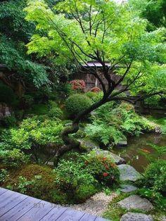 japanischer garten Peacefully Japanese Zen Garden Gallery Inspirations 32 Peacefully J. Zen Garden Design, Japanese Garden Design, Vegetable Garden Design, Landscape Design, Small Garden Slope Ideas, Japanese Garden Plants, Japanese Garden Landscape, Japan Garden, Japanese Gardens