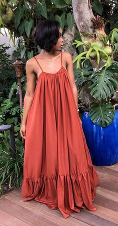 This rustic maxi dress is captivating! Super comfy and flowy. Perfect for any getaway or just slayful dress for brunch! Source by luluvanga dresses elegant Classy Outfits, Chic Outfits, Dress Outfits, Fashion Outfits, African Fashion Dresses, African Dress, Ankara Fashion, African Attire, African Style