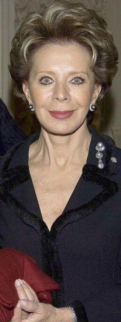 Lily Safra wearing JAR brooch