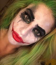 Halloween is often a horrendous celebration, especially in America. Halloween is synonymous with costume parties and makeup-makeup splashy to creepy. You who intend to join the Halloween party may … Joker Halloween Makeup, Halloween Inspo, 31 Days Of Halloween, Halloween Kostüm, Halloween Cosplay, Joker Cosplay, Halloween Costumes, Female Joker Costume, Female Joker Makeup