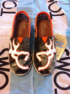 Hey, I found this really awesome Etsy listing at http://www.etsy.com/listing/155229910/custom-hand-painted-camo-toms