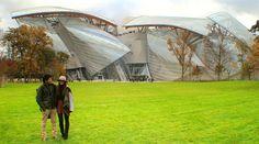 París IV. Última joya de Frank Gehry - La recientemente inaugurada obra de arte de Frank Gehry es algo así como un iglú en el medio de un bosque, aunque según como lo mires puede parecer una gran nube, pero a ratos también parecen velas de barcos entrelazadas...y es que ¿qué sería de Frank Gehry si cuando vieras su obra por primera v ... - http://www.wanderonworld.com/paris-iv-ultima-joya-de-frank-gehry/