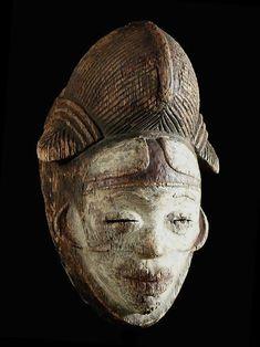 Masque Mukuyi - Punu / Pounou / Tsangui - Gabon - Objet n°2550 - Galerie Bruno Mignot Photo Grand Format, Tres Belle Photo, African Masks, Culture, Statue, Canvas, Painting, Black, Ideas