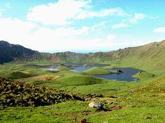 Lagoa do Caldeirão, ilha do Corvo. ◆Açores – Wikipédia https://pt.wikipedia.org/wiki/A%C3%A7ores #Azores