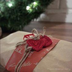 HEKLET HJERTE til Valentine´s Day kort – Gratis oppskrift Scrap Yarn Crochet, Crochet Hooks, Make Your Own Card, Learn To Crochet, Slip Stitch, Double Crochet, Pattern Making, Christmas Presents, Homemade Cards