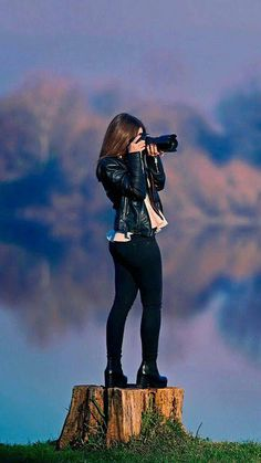 17 ideas for photography camera wallpaper girls Photography Poses Women, Photography Camera, Amazing Photography, Food Photography, Stylish Girls Photos, Stylish Girl Pic, Girl Photo Poses, Girl Photos, Camera Wallpaper