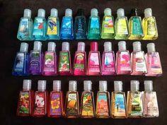 Gel Antibacterial Holder Bath And Body Works en Mercado Libre México Bath And Body Works Perfume, Bath N Body Works, Engagement Gift Baskets, Makeup Kit For Kids, Rangement Makeup, Rave Makeup, Hand Lotion, Aesthetic Makeup, Body Spray