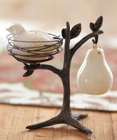 cute salt and pepper shakers  http://rstyle.me/n/tbvnepdpe