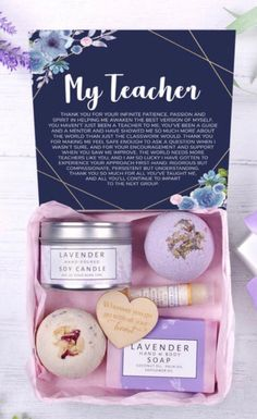 65 Best Teacher Gifts for 2020 What They Really Want - Chaylor & Mads Teacher Gift Baskets, Best Teacher Gifts, Teacher Signs, Teacher Cards, Teacher Blogs, Teacher Appreciation Gifts, Employee Appreciation, Volunteer Gifts, Back To School Gifts