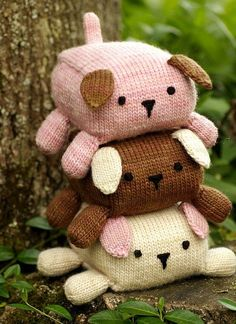 Cute puppies, is knit but could be an old sweater upcycle idea if you don't knit | malabrigo Worsted in pale Khaki, Dark Earth and Pink Frost