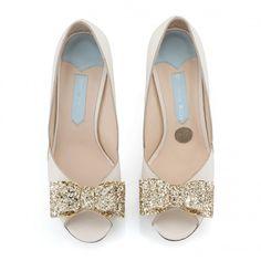 Zapatos de Novia Peep Toe modelo Andi Bow de Charlotte Mills ➡️ #LosZapatosdetuBoda #Boda