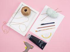 Tutoriel DIY: Fabriquer un cadre calligraphié avec une pièce tricotée via DaWanda.com