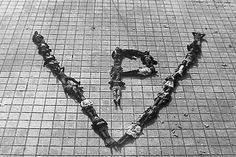 Luis Pazos. PV, Perón vence, fragments de la série Transformaciones de masas en vivo, 1973. Artwork, Photography, Historia, Art, Work Of Art, Photograph, Auguste Rodin Artwork, Fotografie, Artworks