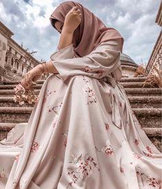 Stylish Hijab, Modest Fashion Hijab, Modern Hijab Fashion, Muslim Women Fashion, Hijab Fashion Inspiration, Fashion Muslimah, Hijab Hipster, Hijab Dp, Mode Hijab