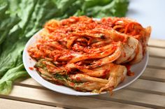 8 things to do with Napa Cabbage. 7 out of the 8 are self-explanatory, but one of them is a recipe for quick, overnight Kim Chee. And THAT is what I'm interested in.