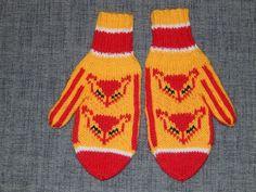 Hehkulanka: Kettukarkki tumput Knit Crochet, Crochet Hats, Knit Art, Knit Mittens, Yarn Crafts, Baby Knitting, Knitting Patterns, Craft Projects, Gloves