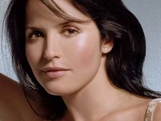 Does Andrea Corr has imminent plans for marriage?