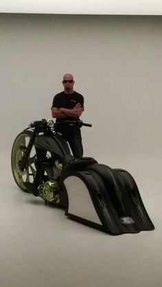 World's first 30 inch Big Wheel Bagger Indian by Vicbaggers.com
